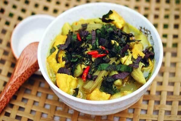 Thưởng thức món ốc nấu chuối đậu vô cùng thơm ngon