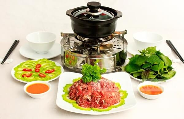 Trình bày và thưởng thức món bò nhúng ớt
