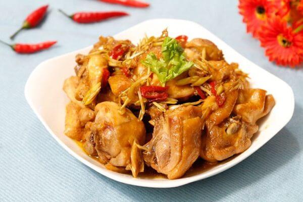 Thịt gà đậm đà, thơm ngon ăn nhiêu cơm cũng hết