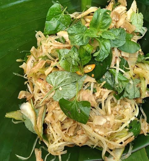 Các loại rau củ trong món gói cũng mang lại nhiều dinh dưỡng